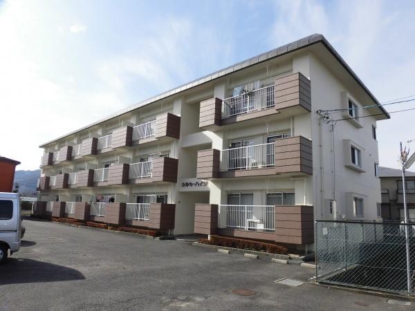栄町 シルキーハイツ 3LDK 駅徒歩4分 1階 角部屋